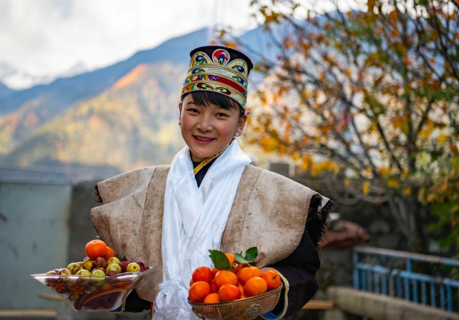 """西藏迎來""""最早""""新年(圖)"""